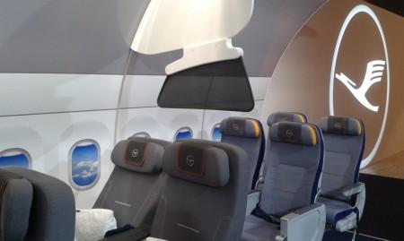 Los nuevos asientos de Premium Economy de Lufthansa comparados con los de clase turista.