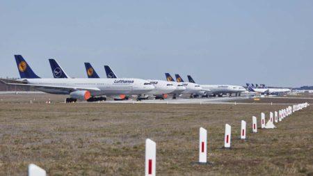 El grupo Lufthansa dejará en tierra más de 100 aviones entre sus distintas aerolíneas.