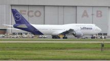 Una de las varias imágenes creadas con Photoshop de los nuevos colores de Lufthansa que circulan por Internet.
