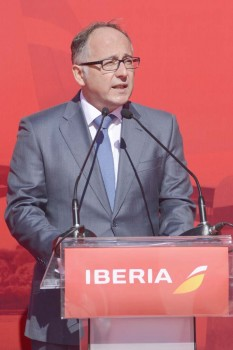 Luis Gallego, presidente de Iberia, durante su intervención en el bautismo del Airbus a330 EC-MLB Iberoamérica.