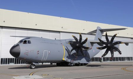 Matriculado CT-01, el Airbus A400M de las Fuerzas Armadas de Luxemburgo será operado por tripulaciones mixtas de belgas y luxemburgueses.