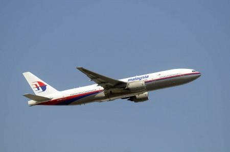 Boeing 777-200ER 9M-MRQ