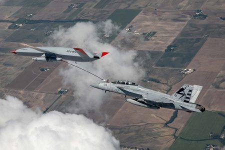 El Boeing MQ-25 Stingray podrá trasvasar en vuelo hasta 6.800 kg de combustible a otros aviones.