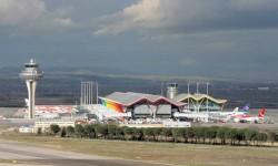 Flightright coloca a barajas como el aeropuerto español con más retrasos en los vuelos a los destinos favoritos por San Valentín
