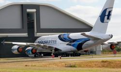 El primer Airbus A380 de Malaysia Airlines ya luce toda su decoración