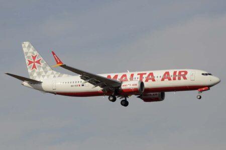 Entre los primeros Boeing 737 MAX recibidos por Ryanair en julio, está este con colores de Malta Air.