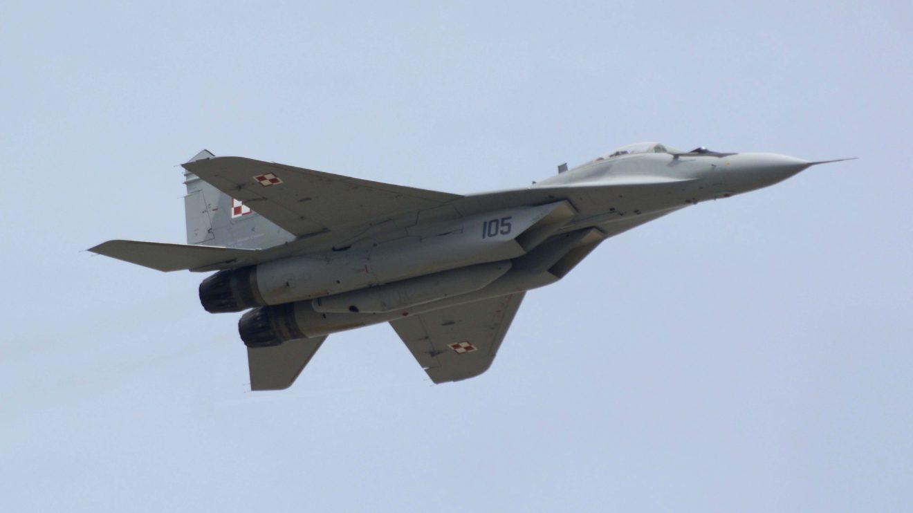 El MiG-29 polaco fue una de las seis demostraciones aéreas que pudieron ver los asistentes a la celebración de los 40 años del TLP.