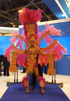 El acto de presentación de los vuelos a San Pedro Sula ha contado también con la actual Miss Honduras.