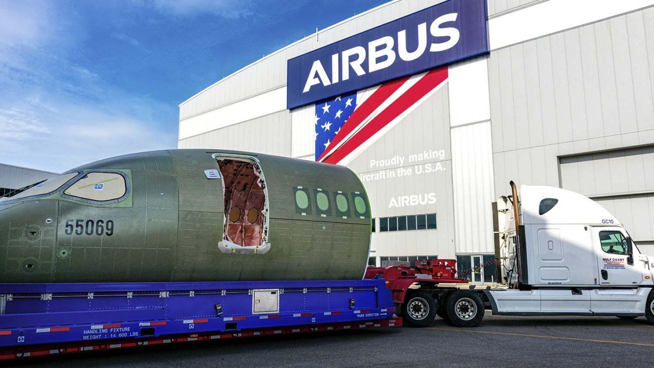 LLegada de la sección del morro del primer A220 a Mobile. Este avión será entregado a Delta Air Lines.