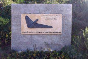 Monumento en el aeropuerto de Madrid Barajas a las víctimas y supervivientes del accidente del vuelo de Spanair JKK5022.