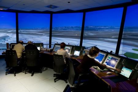 APROCTA reclama a Enaire la contratación de 500 controladores de tránsito en tres años.