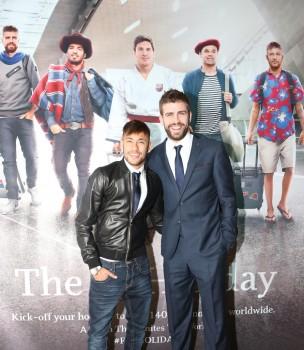 Neymar y Piqué en Doha en la presentación del nuevo spot de Qatar Airways con jugadores del FC Barcelona