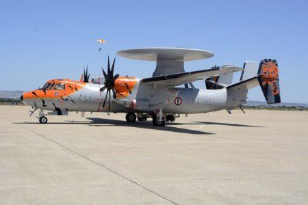 Uno de los tres E-2C en serivicio con la Marina francesa decorado especialmente.