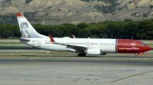 Boeing 737-800 de Norwegian en el aeropuerto de Madrid Barajas.