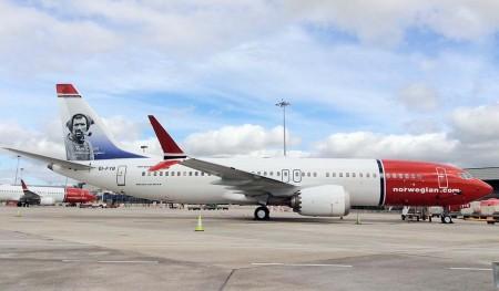 El Boeing 737 MAX 8 dedicado por Norwegian a Ton Crean.