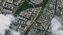 Notre Dame después de su incendio vista desde el satélite Pleiades IB.