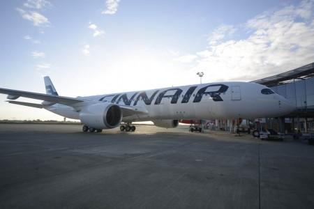 OH-LWA el primer Airbus A350 de Finnair en el centro de entregas de Airbus en Toulouse.