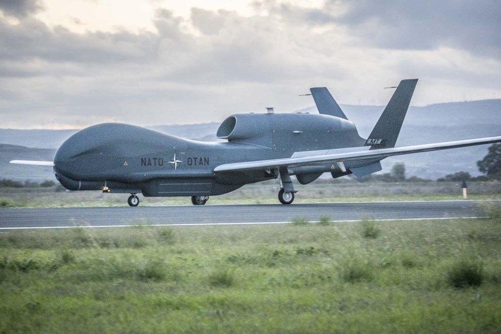 Llegada a Sigonella del primer RQ-4D de la OTAN.