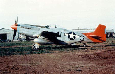 North American P-51 del 99 Escuadrón de Persecución, unidad a la que fueron destinados los primeros pilotos afroamericanos de la USAF.