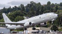 El primerP-8 Poseidon despegando de Boeing Filed en el vuelo de aceptación por parte de la RAF.º