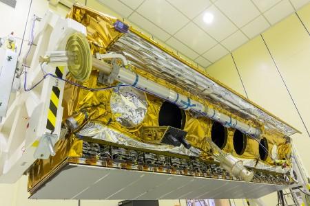 El satélite Paz durante poco antes de comenzar su preparación para ser enviado a Estados Unidos para sel lanzado al espacio.
