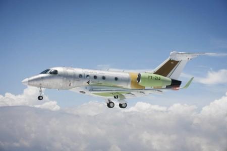 El Embraer Legacy 450 realzia su primer vuelo