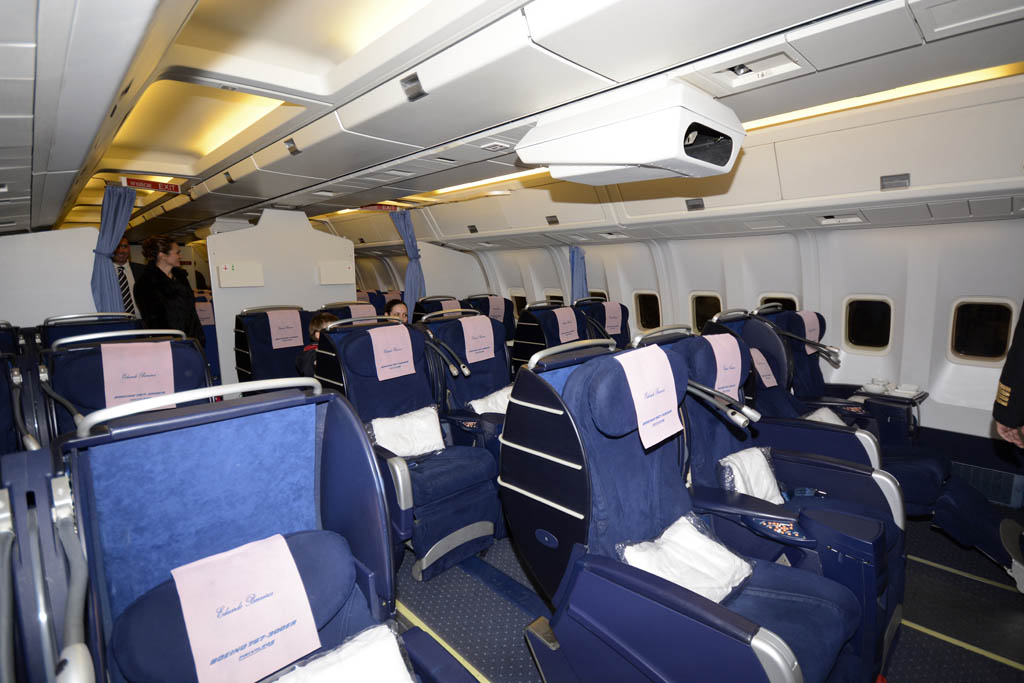 united 777 200 seat map with 1686767 P6 Privilege Style 767 Operate Behalf Ly on Klm Airlines World Business Class Interior Design By Hella Jongerius besides Content 17332700 moreover Watch furthermore Thai Airways Seat Map First Class further Boeing 777 Stoelindeling.