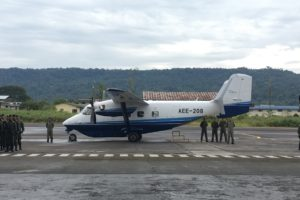 Acto de entrega del PZL Mielec M28 al Ejército de Ecuador tras su llegada al país.