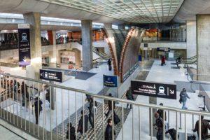 Accesos a la estación del TGV en el aeropuerto de París Charles de Gaulle.