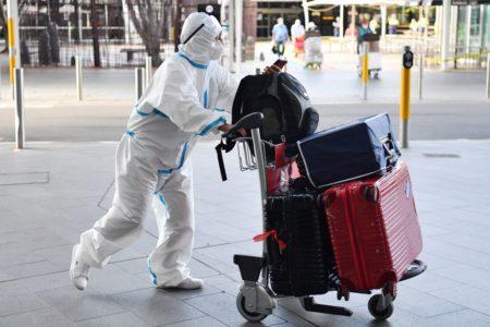 Las restricciones a los viajes internacionales podrían seguir  hasta 2021.