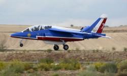 AlphaJet de la Patruille de France, una de las nueve patrullas acrobáticas presentes en Aire 75.