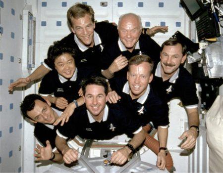 Pedro Duque y sus compañeros durante su primer vuelo espacial.
