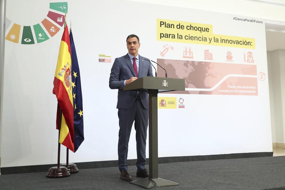 Pedro Sanchez durante su presentación del Plan de Choque por la Ciencia y la Innovación e La Moncloa.