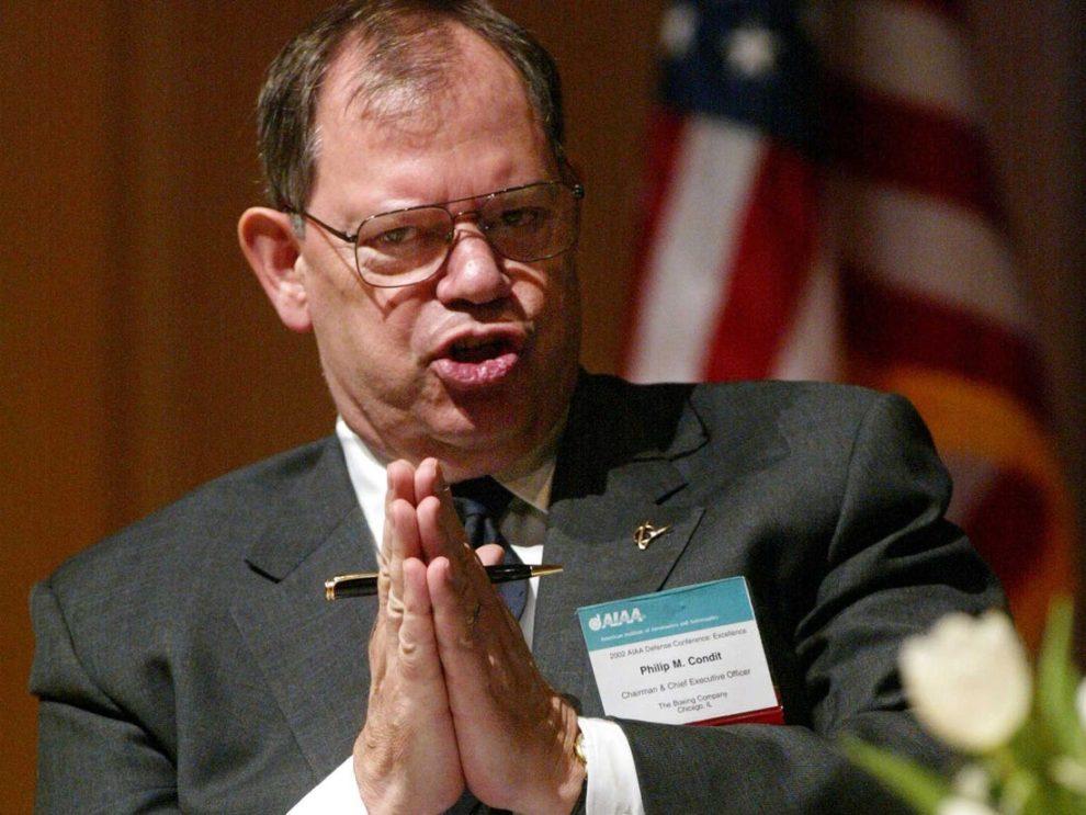 Phil Condit durante su presidencia de Boeimg.