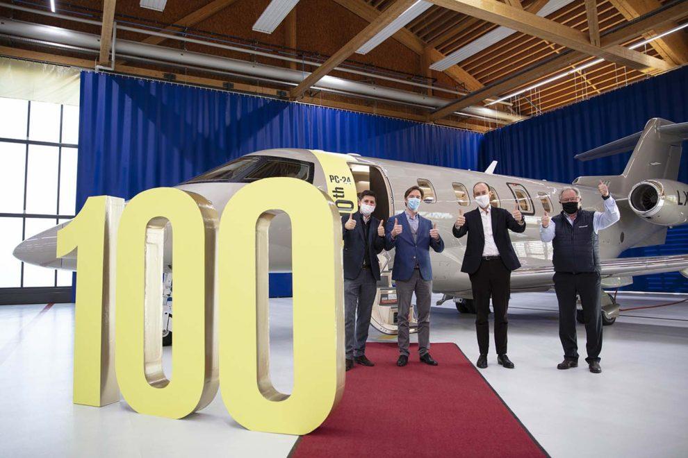 Entrega el 4 de enero en las instalaciones de Pilatus en Stans (Suiza) del PC-24 número 100.q