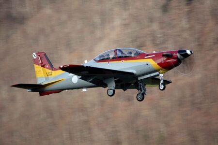 Despegue del primer PC-21 español en la factoría de Pilatus.