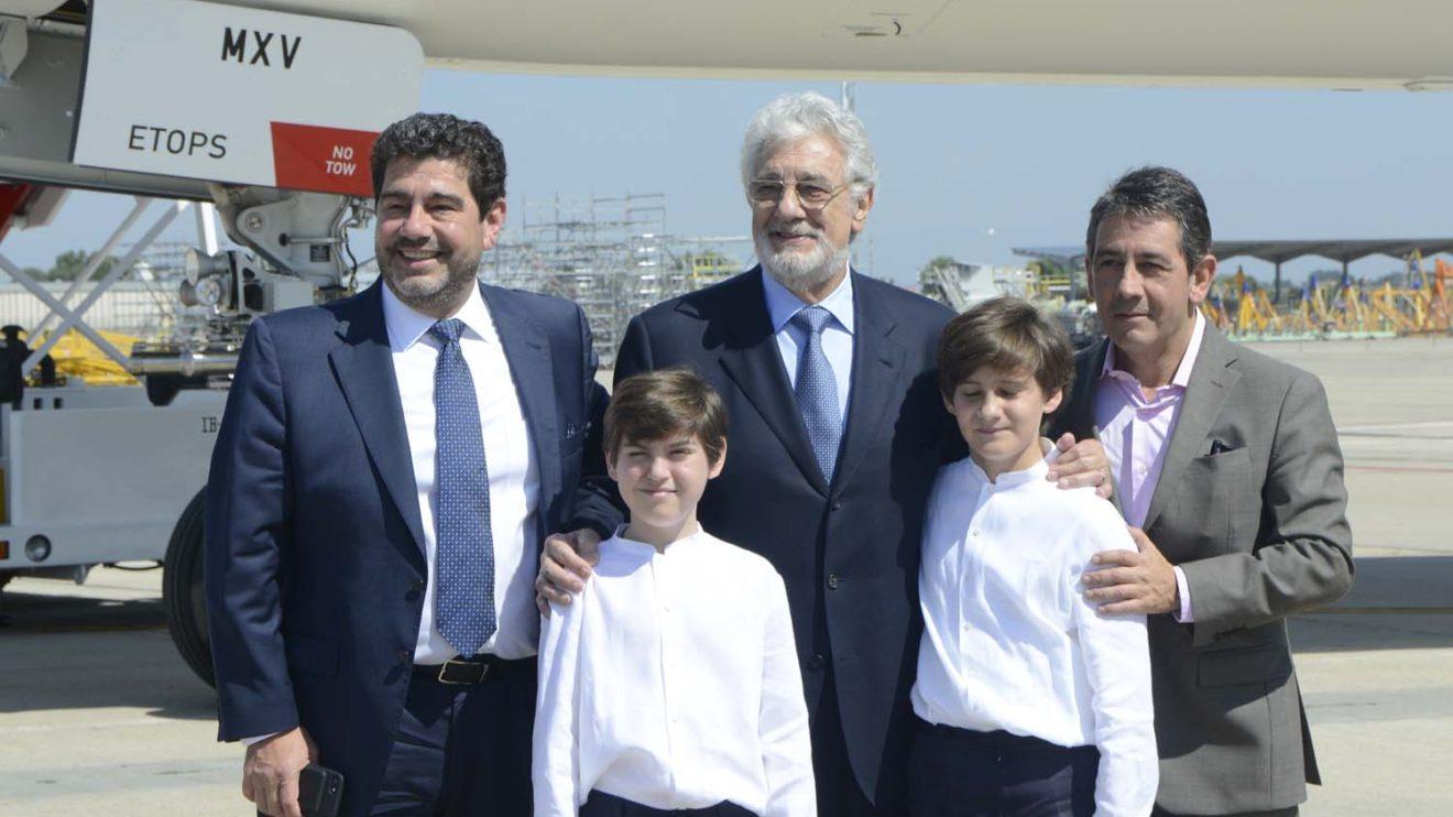 Tres Plácido Domingo en una foto: Padre, hijo y nieto.