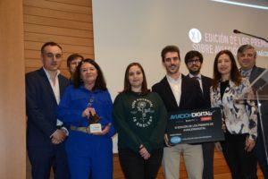 Los premiados este año por Aviación Digital junto a patrocinadores y el director general de Aviación Civil.