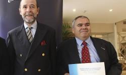 Pedro Argüelles y Luis Calvo tras la entrega del premio William E. Boeing de periodismo sobre aviación en español.