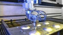 Producción de piezas para aeronaves en la factoría de Bremen de Premium, Aerotex.