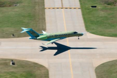 El Cessna Citation Longitude mide 22,3 metros de largo, 5,92 m de alto y 20,42 m de envergadura.