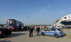 Llegada a Milán del Atlético de Madrid a bordo del Boeing 777-200ER de Privilege.