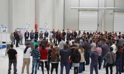 Directivos de Alestis presentan a los trabajadores el Plan Vitoria