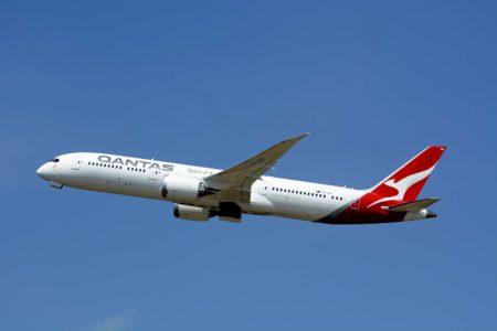 Despegue de Londres de un Boeing 787 de Qantas en el vuelo sin escalas a Perth.