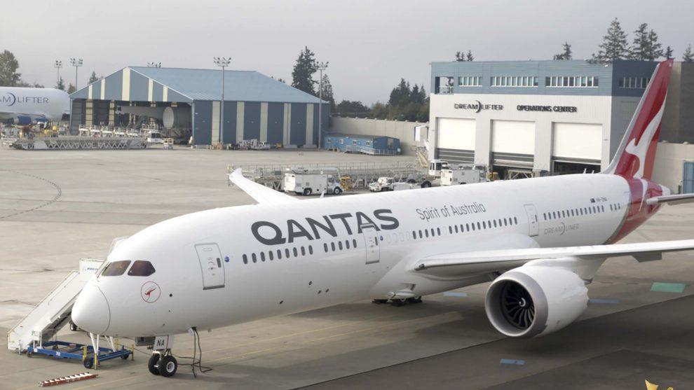 Boeing 787 de Qantas usado en el primer vuelo con biocombustible entre Estados Unidos y Australia.