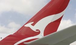 Qantas modificó su imagen corporativa con un nuevo diseño de su canguro y titulos para la llegada del A380