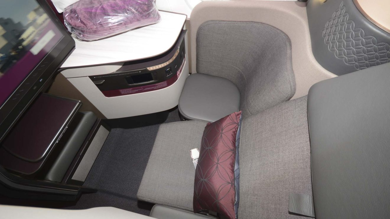 Además de la suite para cuatro, la clase business incluye asientos individuales, de los que una fila mira hacia delante y otra hacia atrás.