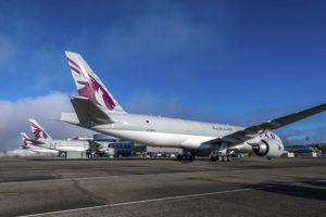 Los tres nuevos Boeing 777F de Qatar Airways en el centro de entregas de Boeing en el aeropuerto de Everett.º