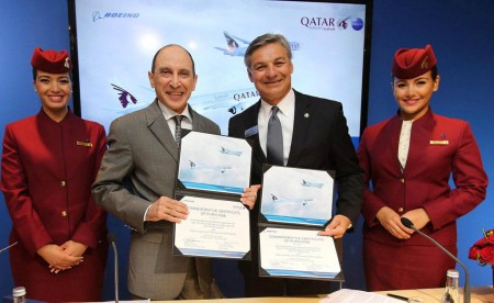 Akbar Al baker de Qatar Airways y Ray Conner de Boeing