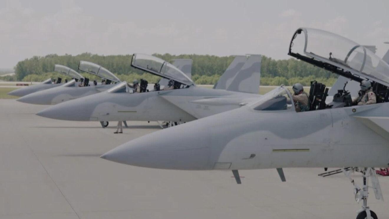 Cuatro F-15QA para Qatar en la línea de vuelo de Boeing en Saint Louis, todavía sin emblemas.